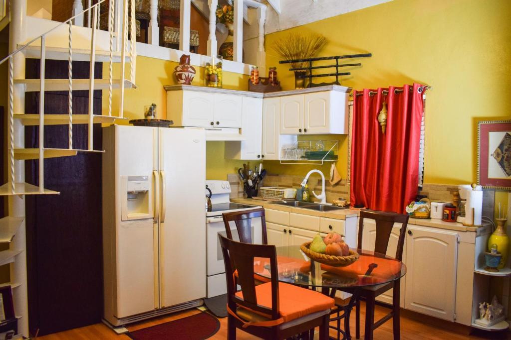 Apartment Bahamian Touch Rentals Nassau Bahamas Booking Com,Benjamin Moore Best Blue Gray Paint Colors