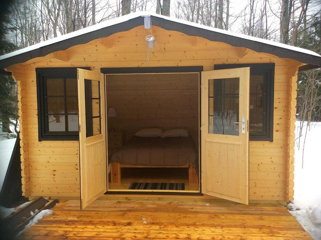 Madawaska Lodge-Camping Cabins