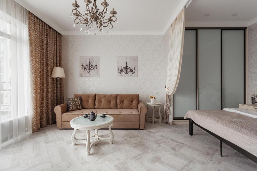 Гостиная зона в Royal Arcadia Apartment