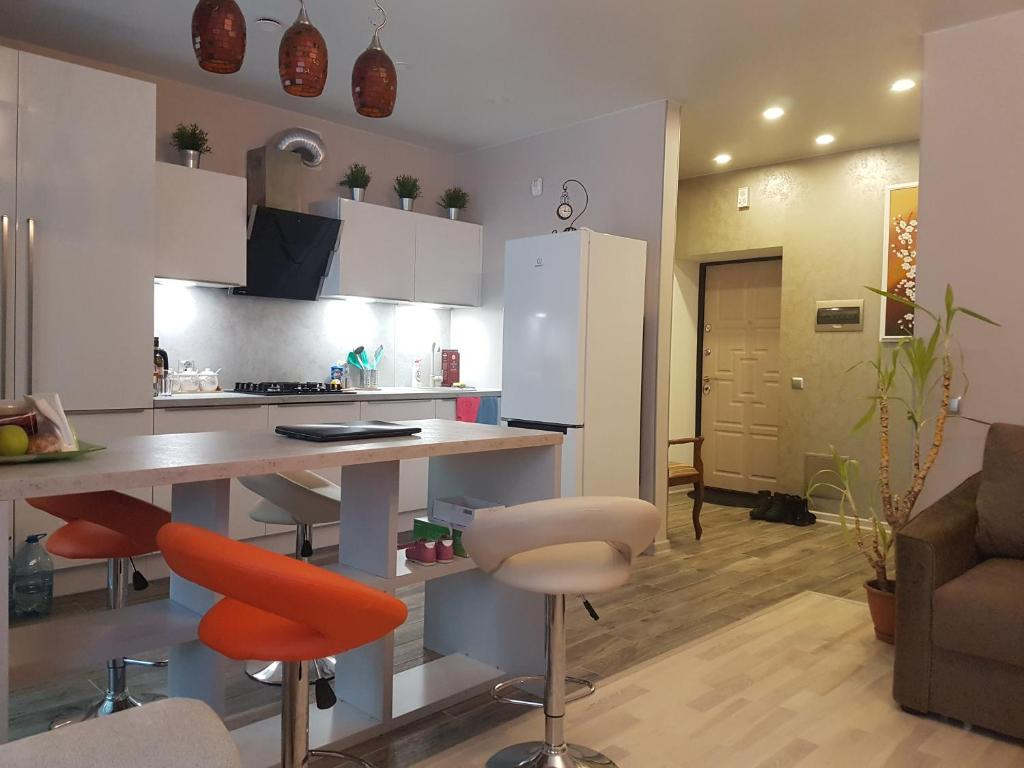 A kitchen or kitchenette at Seaside Studio