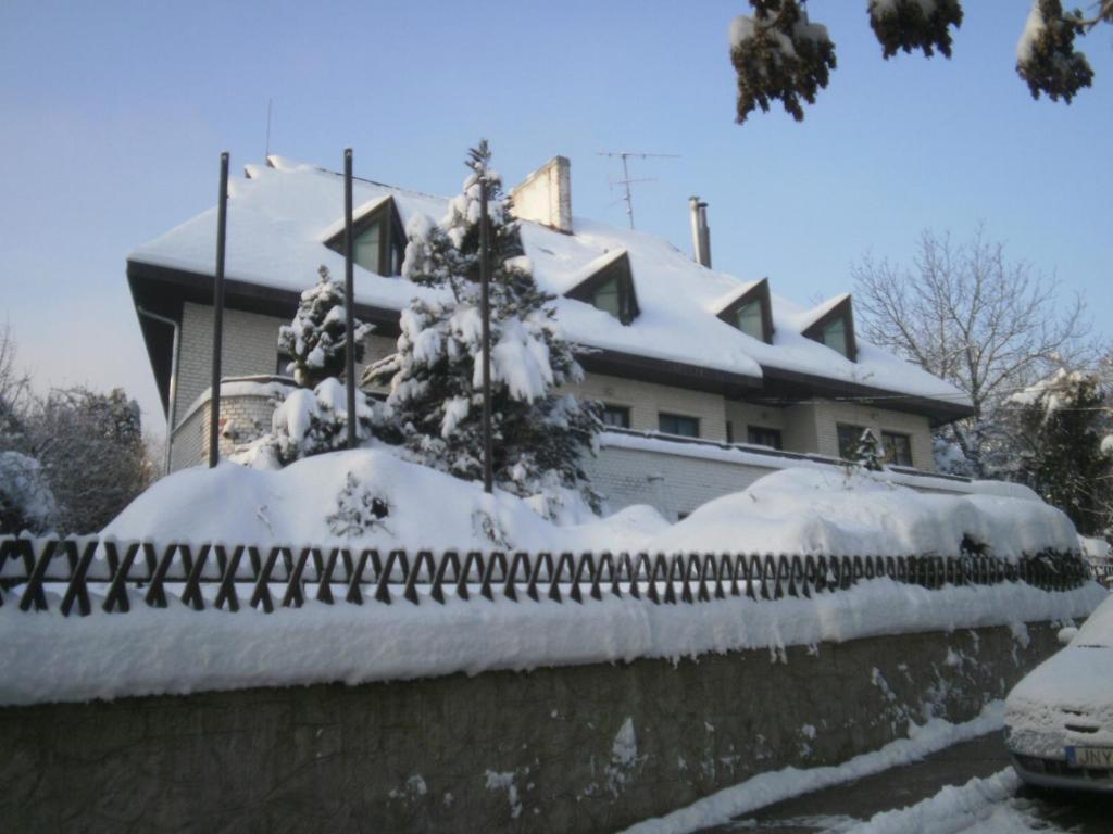 Panoráma Üdülőszálló during the winter
