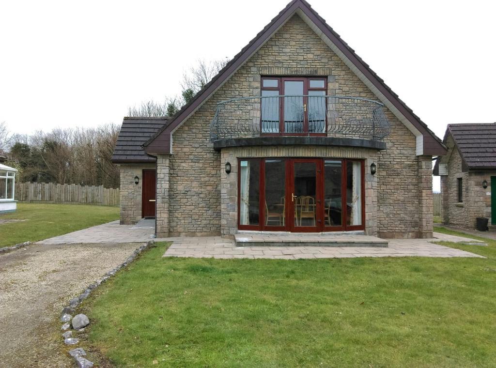 Galway Bay Lodge