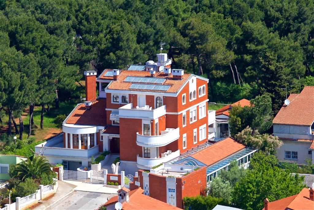 A bird's-eye view of Luxury Boutique Hotel Villa Vulin