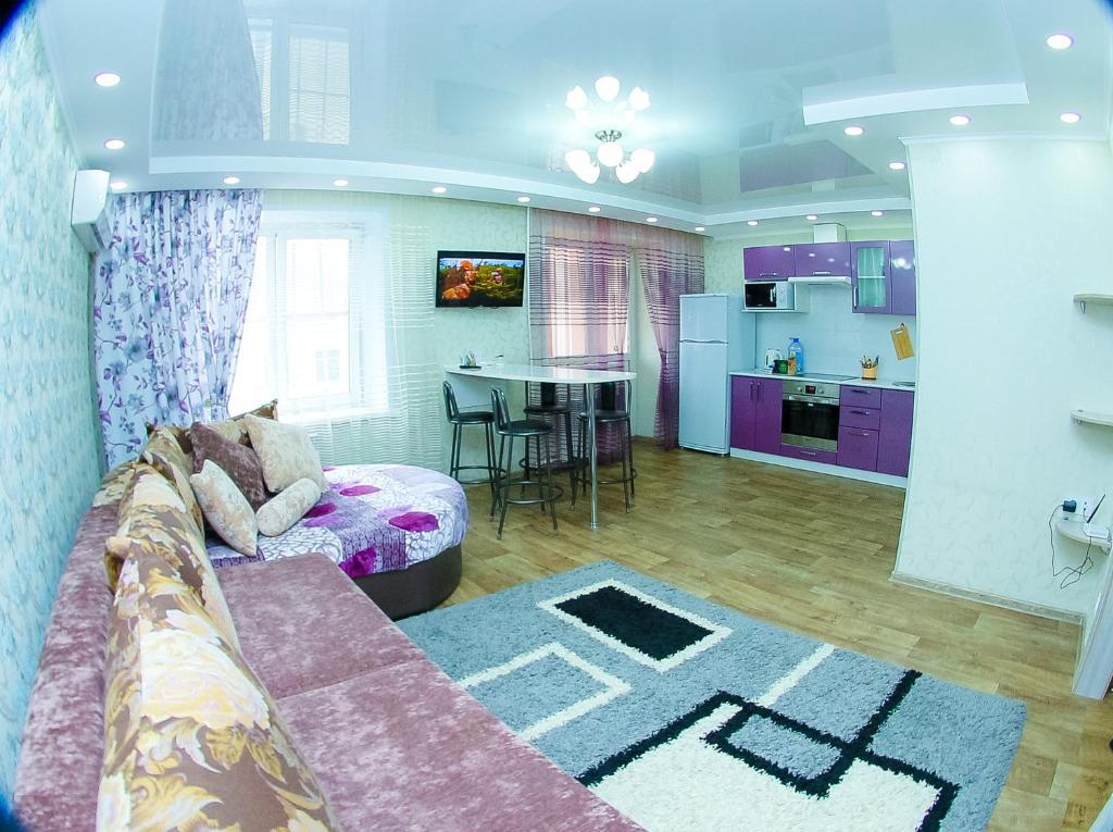 Apartment on Respubloki Square