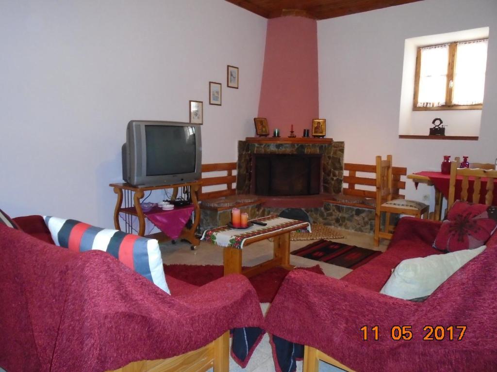 A seating area at Villa Lela Amaliada