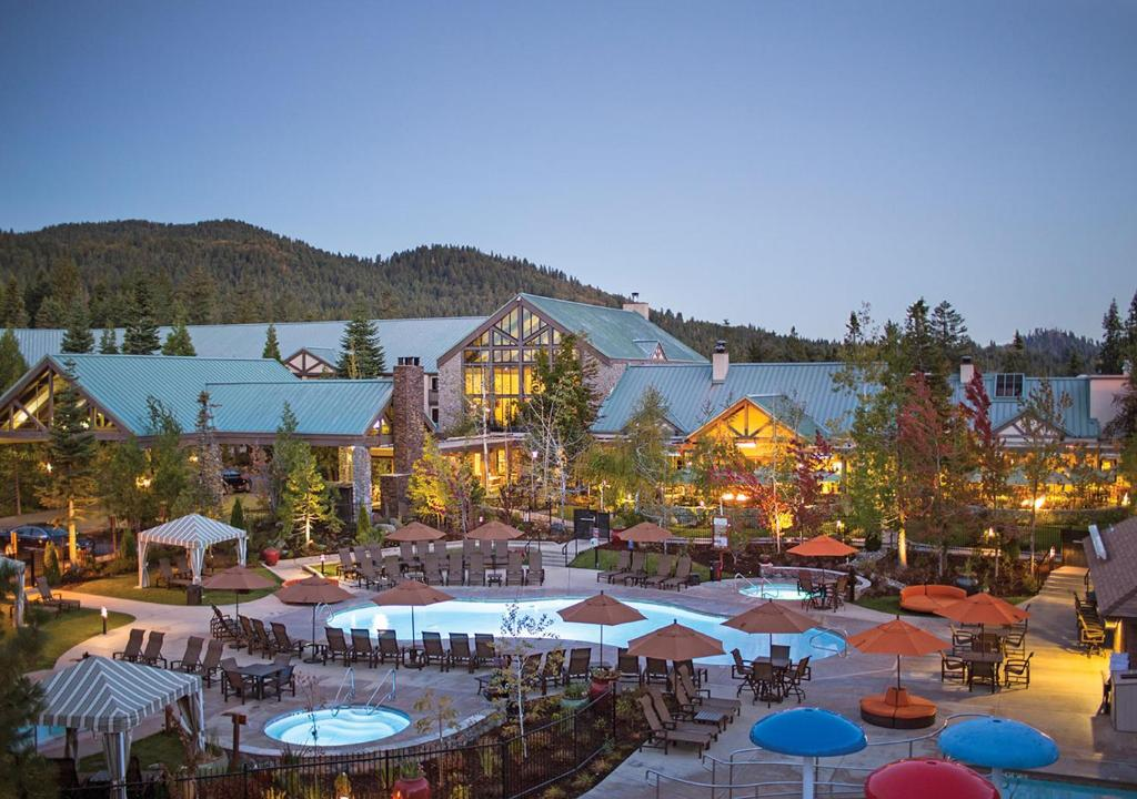 A view of the pool at Tenaya Lodge at Yosemite or nearby