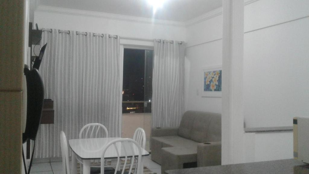 A seating area at Apartamento AV CPA