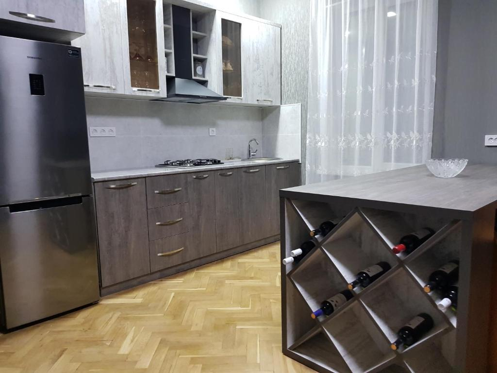A kitchen or kitchenette at Doors