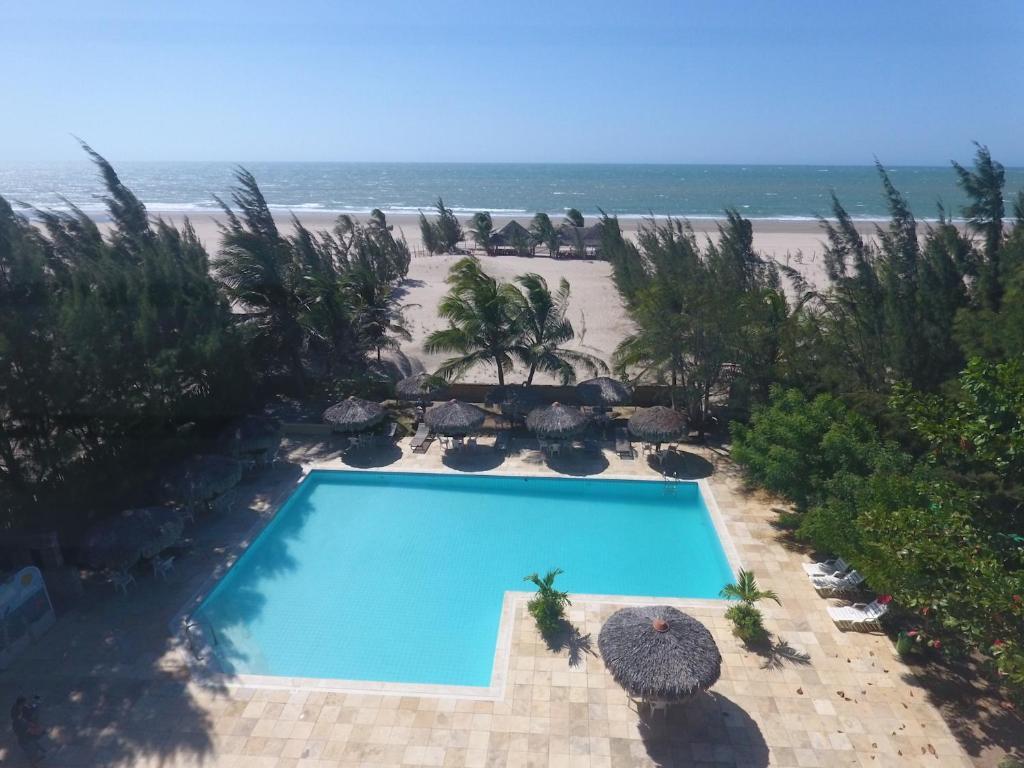 Uma vista da piscina em Villa del Mar Praia Hotel ou nos arredores