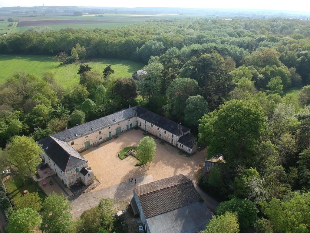 Vue panoramique sur l'établissement Logis de la Pichonnière