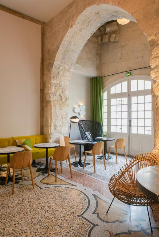 Hôtel Du Cloître Arles France Booking Com