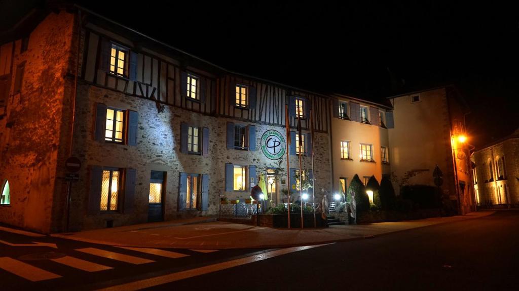 Hotel Le Saint Eloi - Restaurant C. Pasquier Solignac, France