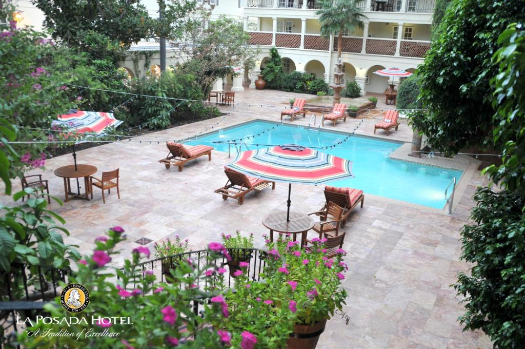 A view of the pool at La Posada Hotel or nearby