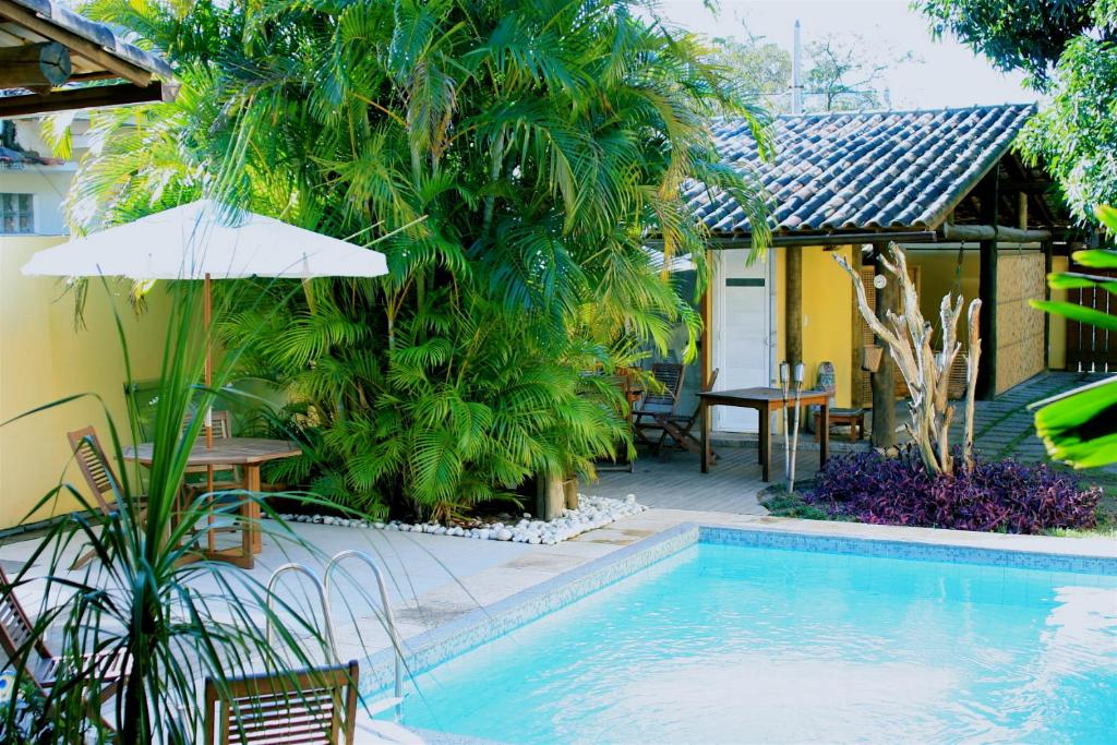A piscina localizada em Itacoatiara Inn ou nos arredores