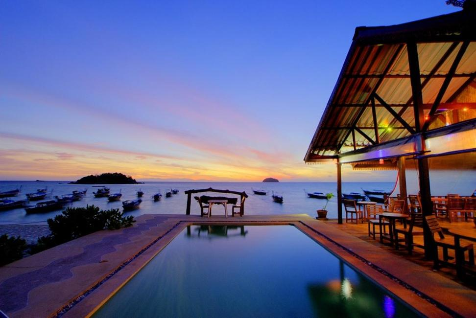 The swimming pool at or close to Lipe Power Beach Resort