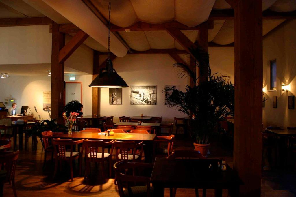 Een restaurant of ander eetgelegenheid bij Herberg Tiengemeten