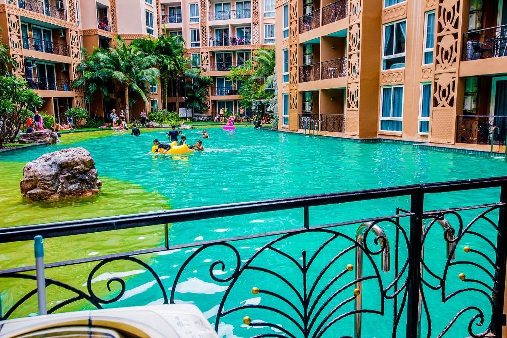 The swimming pool at or near Atlantis Condo Jomtien Pattaya
