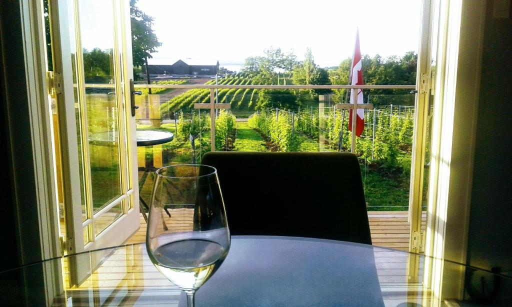 A balcony or terrace at Raven Hill Vineyard