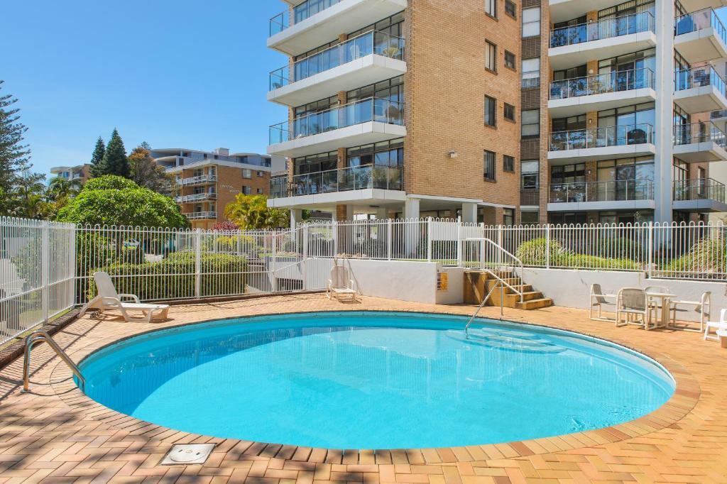 The swimming pool at or near Tasman Towers 5 3 Munster Street
