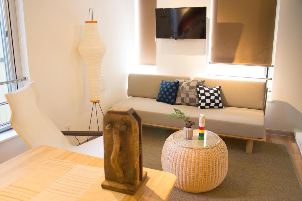 Art Apartment AOCA Sanno RAGNERにあるシーティングエリア