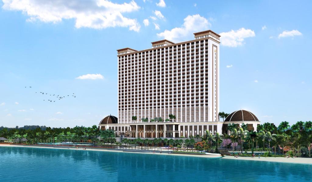 The swimming pool at or close to Xihu Resort Hotel