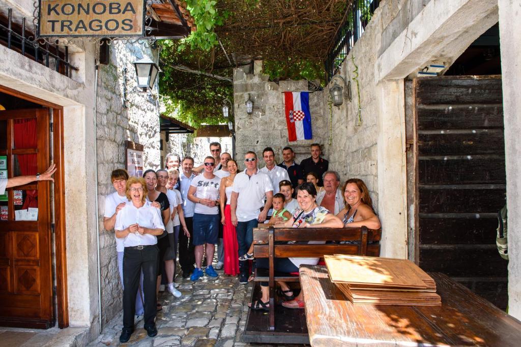 Een restaurant of ander eetgelegenheid bij Heritage Hotel Tragos