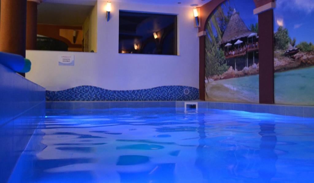 The swimming pool at or close to Tropikalna Odnowa