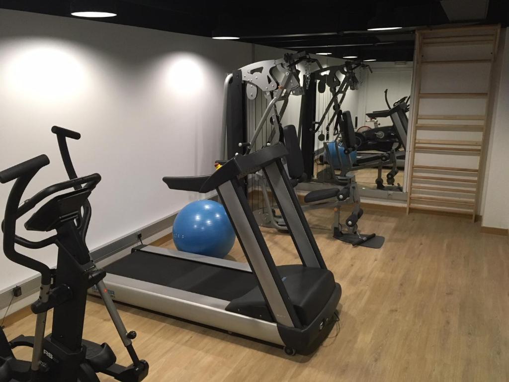 Фитнес-центр и/или тренажеры в Eurohotel Diagonal Port