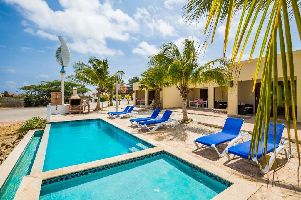 The swimming pool at or near Casas del Sol