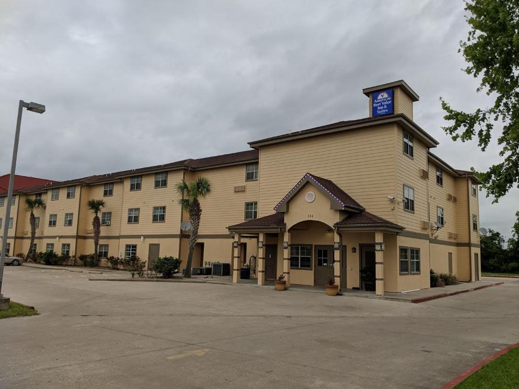 Americas Best Value Inn & Suites-Winnie