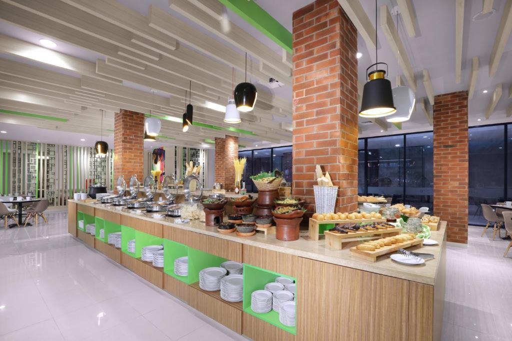 Favehotel Bandara Tangerang Indonesia Booking Com