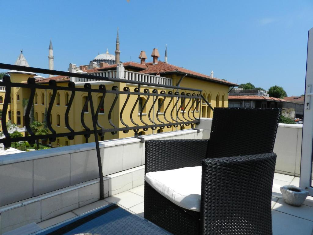 A balcony or terrace at Berk Guesthouse - Grandma's House
