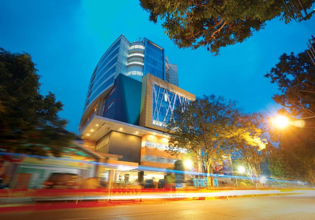 Hotel The 1o1 Malang Oj Indonesia Booking Com