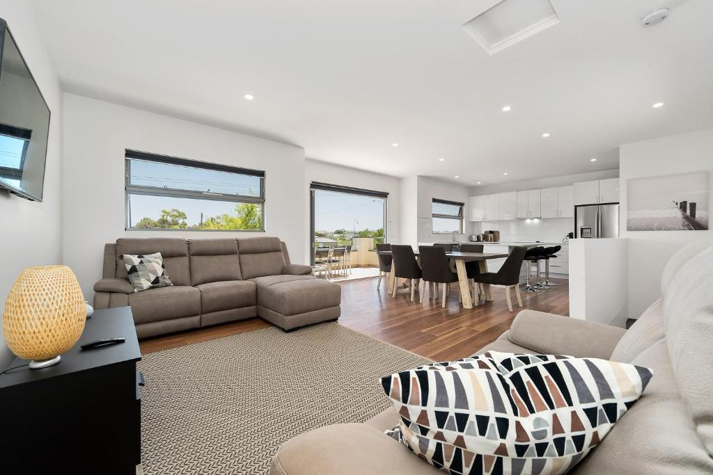 A seating area at Rosewater Townhouses Dromana
