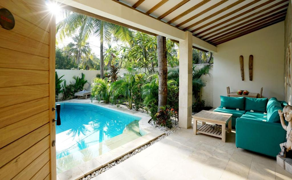 The swimming pool at or close to Senang Private Villa