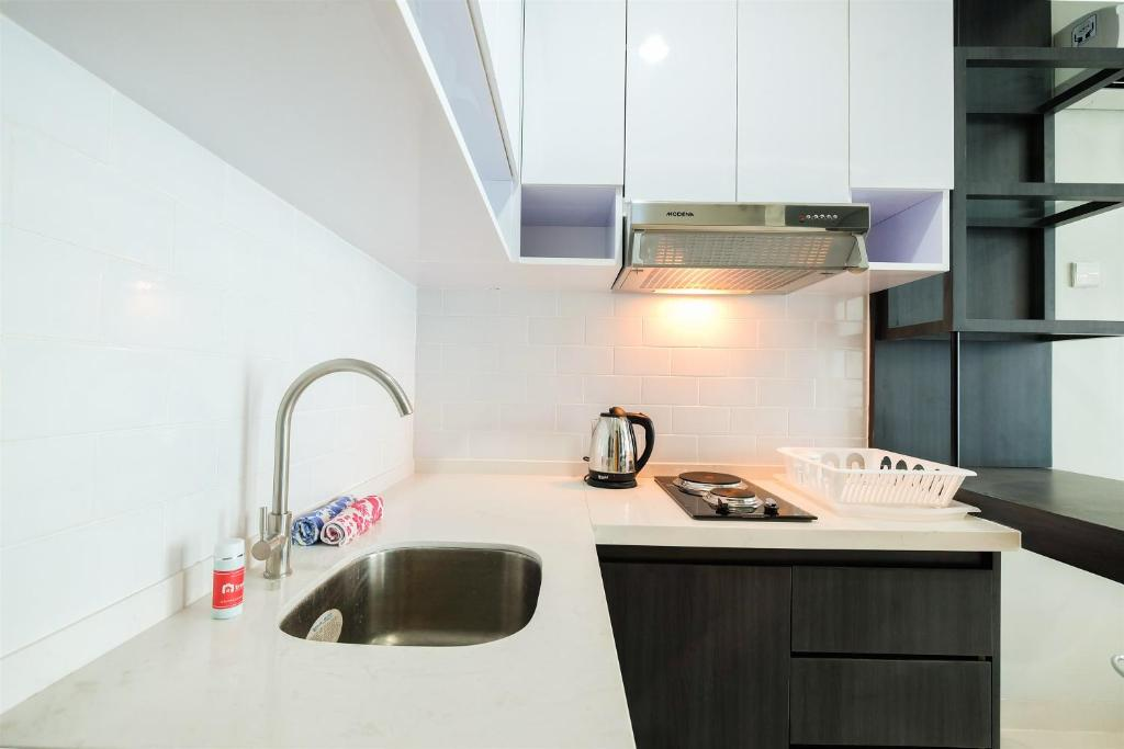 best price 1br brooklyn apartment near ikea alam sutera by travelio