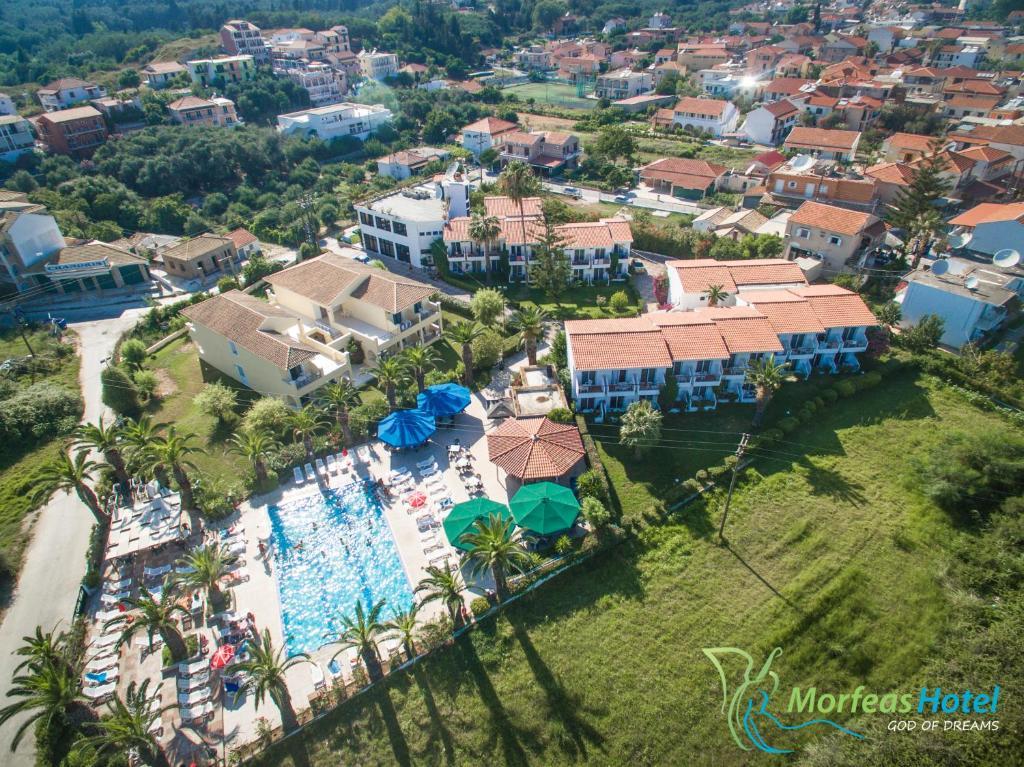 Blick auf Morfeas Hotel aus der Vogelperspektive