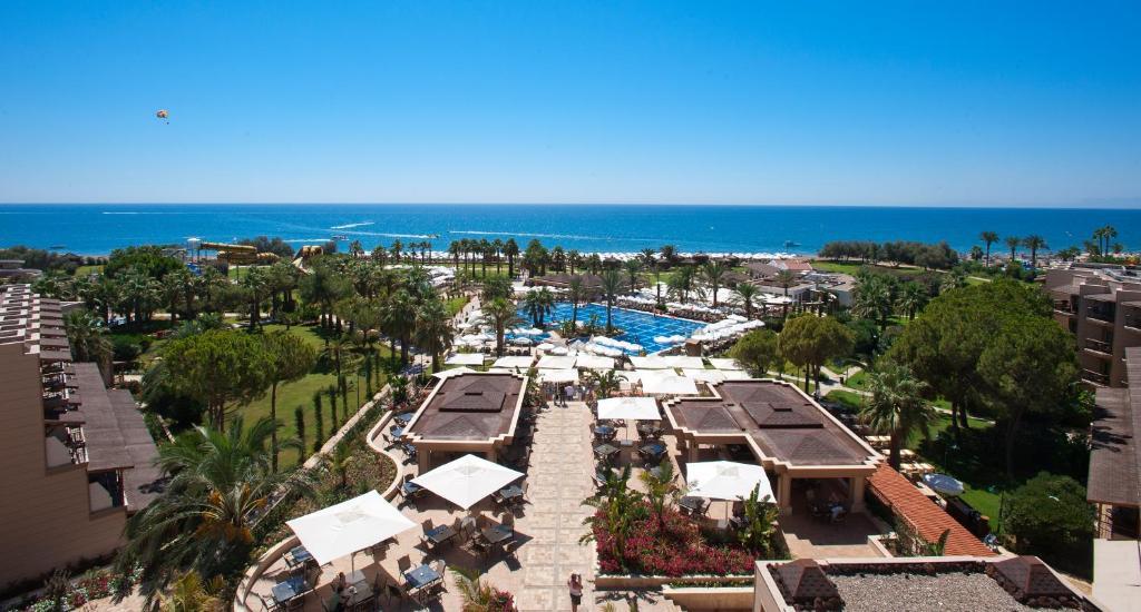 A bird's-eye view of Crystal Tat Beach Golf Resort & Spa