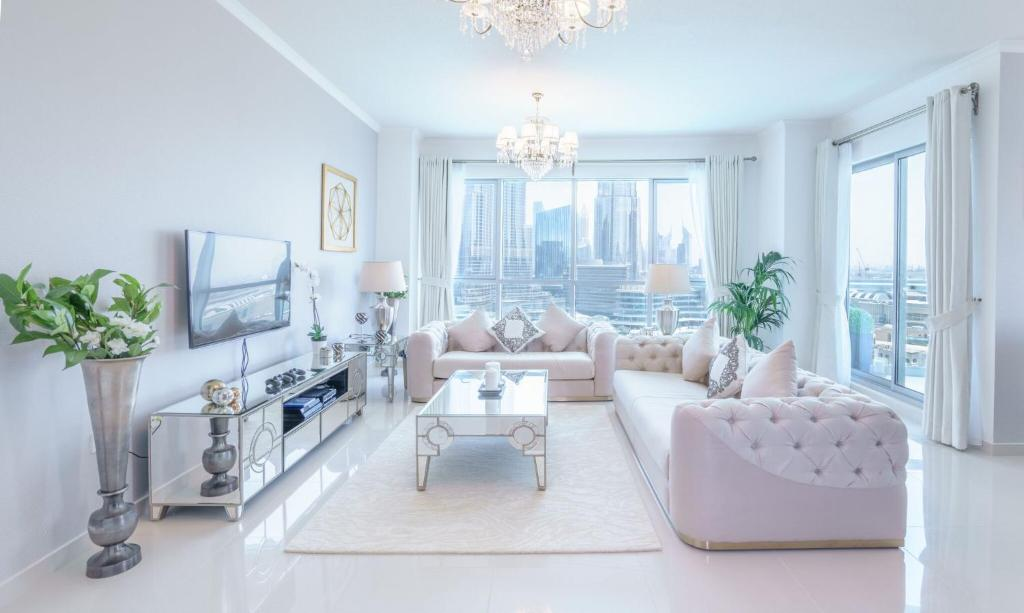 A seating area at Elite Royal Apartment - Full Burj Khalifa & Fountain View - Premier - 2 bedrooms & 1 open bedroom without partition