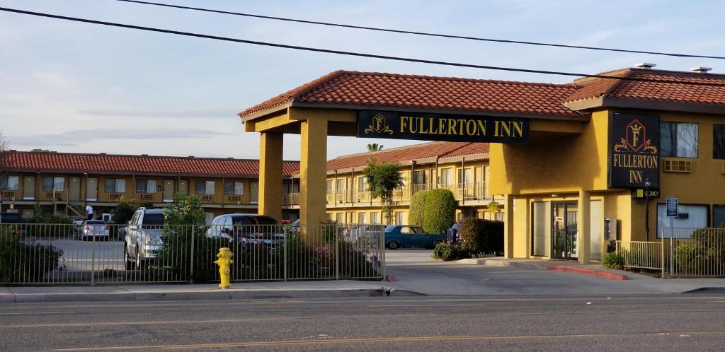 Fullerton Inn.