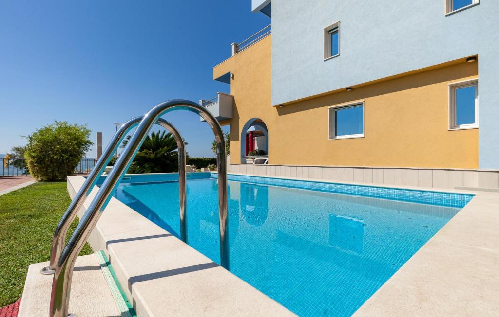The swimming pool at or close to Villa Palmina