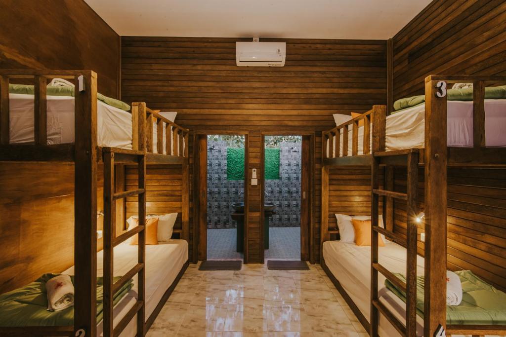 Picture of: Devadav Hostel Bunk Bed Nusa Lembongan Nusa Lembongan Updated 2020 Prices