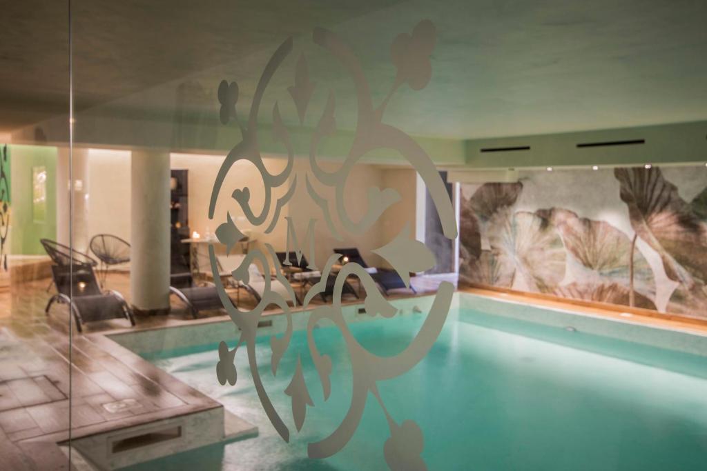 Piscina di Mediterraneo Emotional Hotel & Spa o nelle vicinanze
