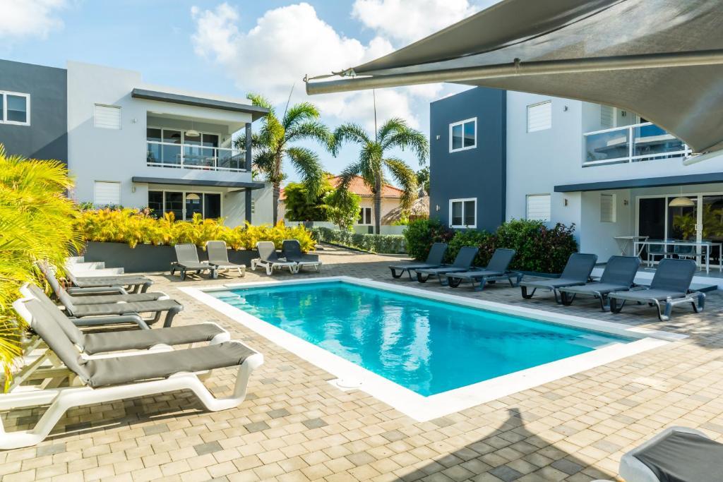 A piscina localizada em Beluga Apartments ou nos arredores