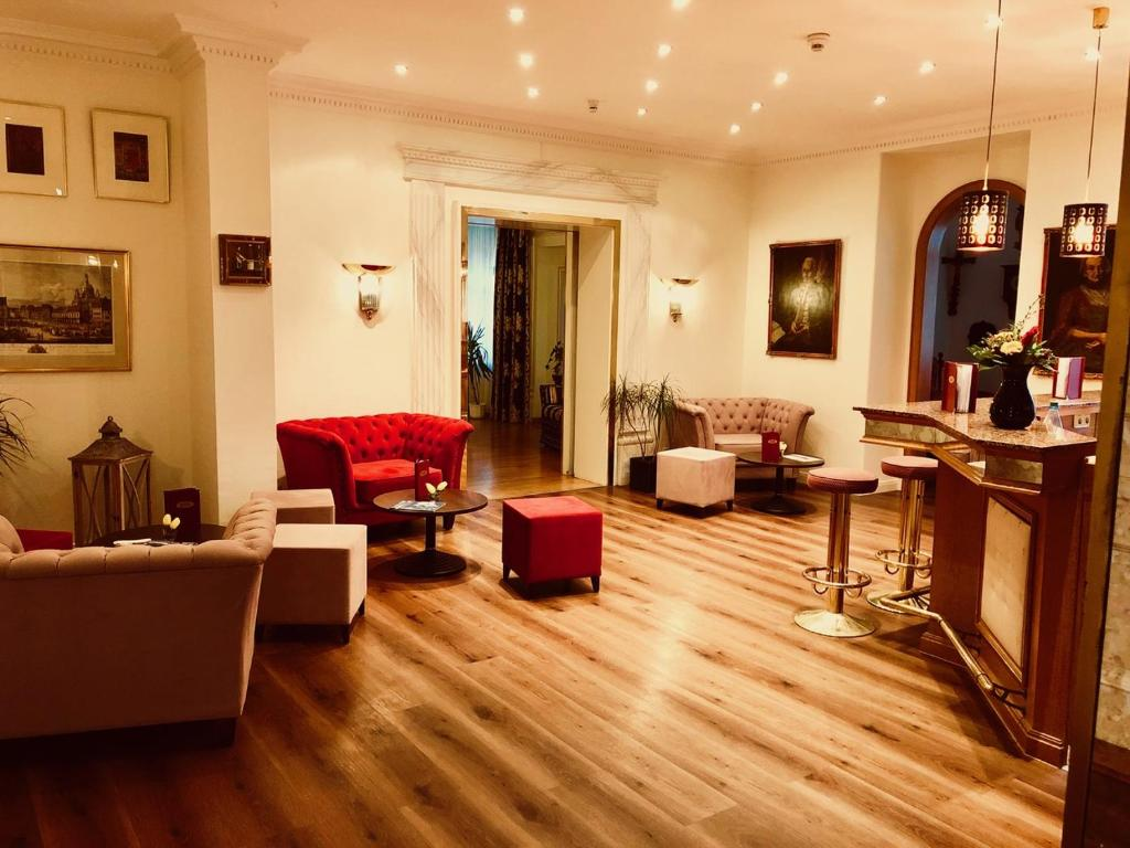 Zona de estar de Hotel Bayerischer Hof Dresden