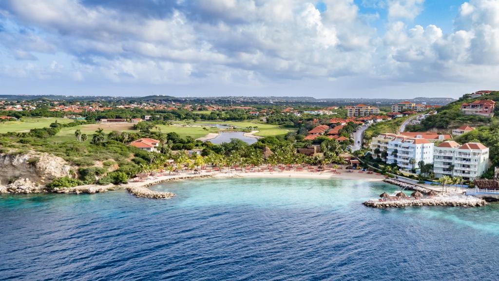 A bird's-eye view of Blue Bay Golf & Beach Resort