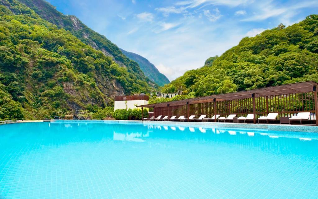 太魯閣晶英酒店游泳池或附近泳池