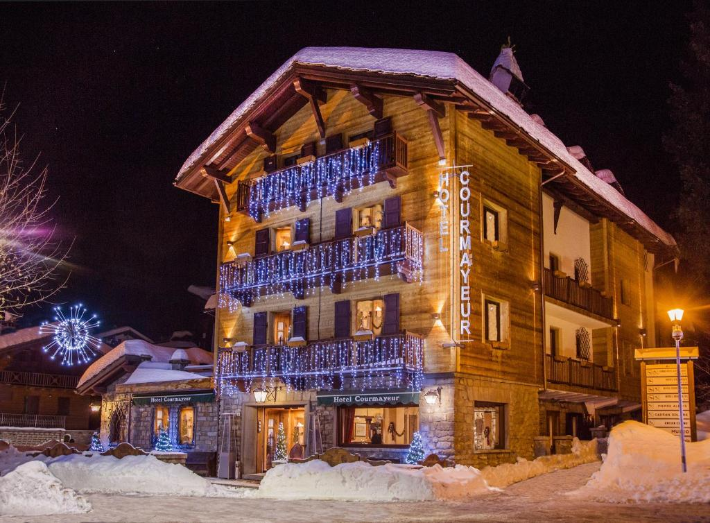 Hotel Courmayeur during the winter