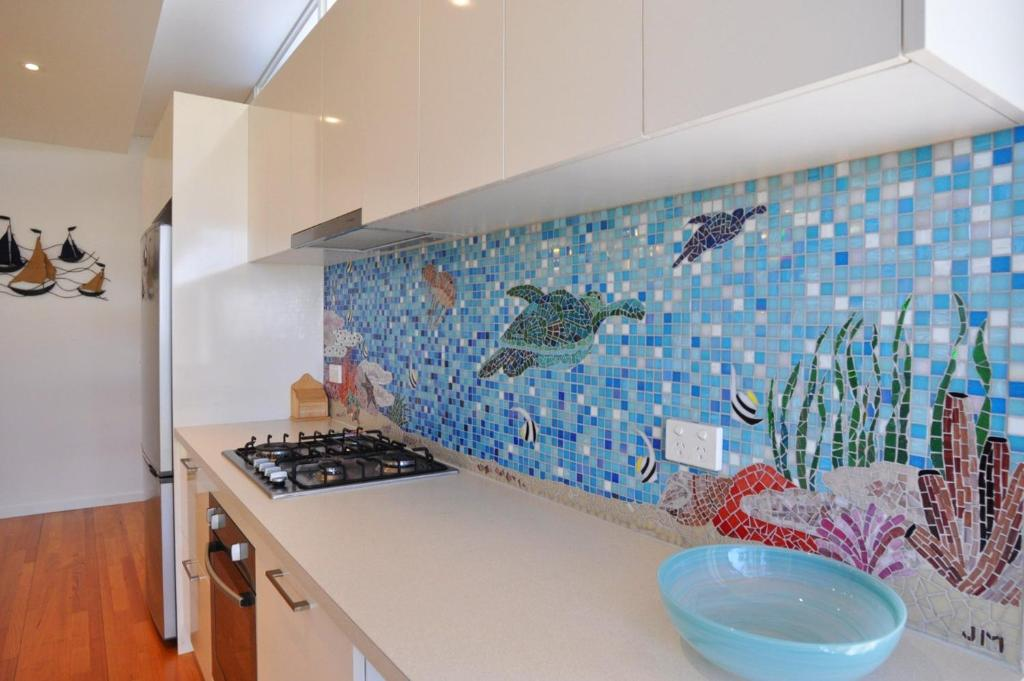 A kitchen or kitchenette at SCARBOROUGH SERENITY