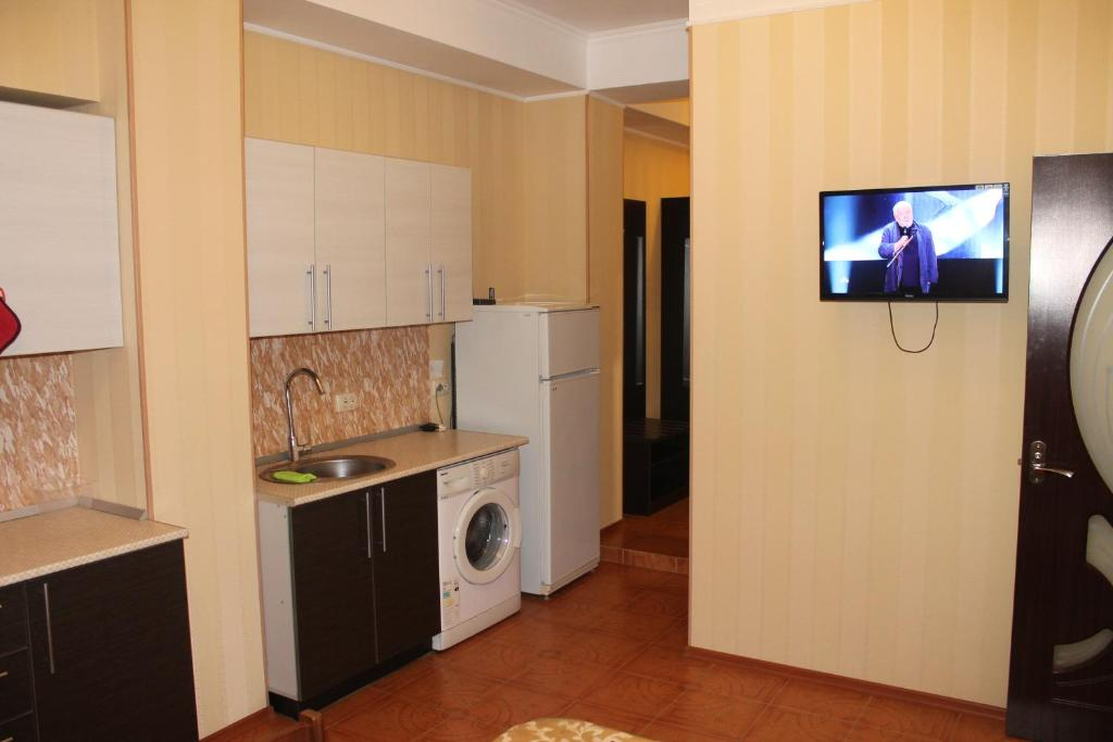 Кухня или мини-кухня в Apartment in Kurortnyi Gorodok